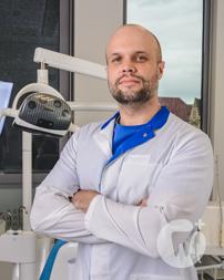 Dr. Artem Parkhomenko